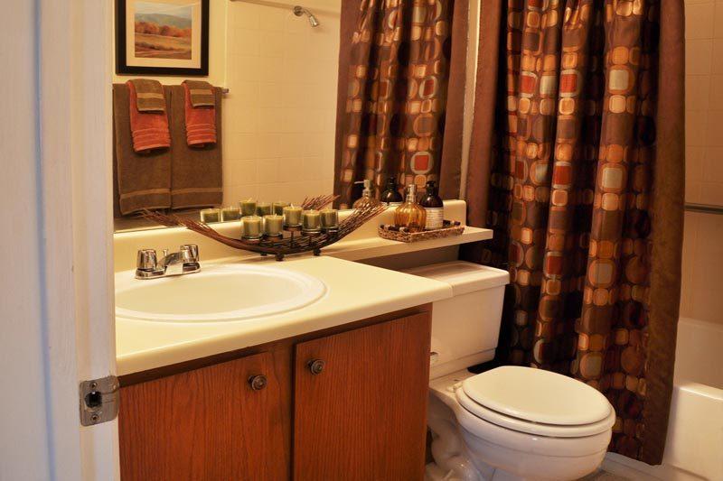 Edited RiverWalk Bathroom.jpg